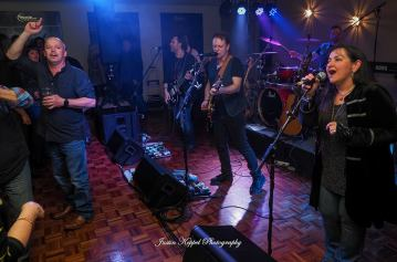 Crowd Band Clayton